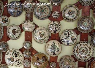 Gând Călător: Verde de Hurezi (II) Ceramica tradiţională/La céramique traditionnelle de Horezu Horezu, un des plus importants centres de la poterie roumaine