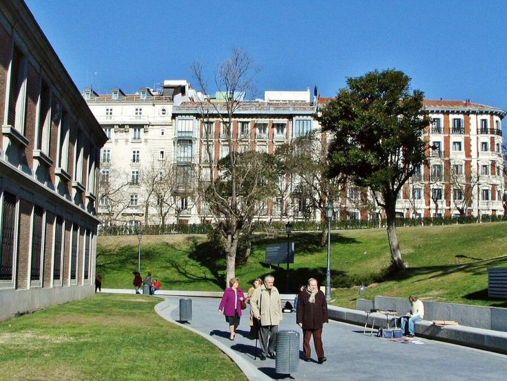 Toda la información sobre las distintas opciones para visitar gratis el Museo del Prado de Madrid: horarios, días gratis, entradas con descuentos