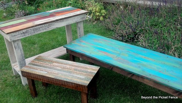 Brightly colored table for living room at summer house?