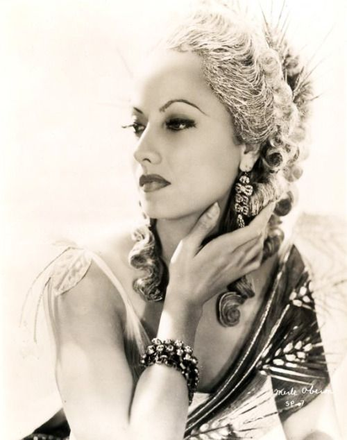 Pin by Wm Bird on Reference | Hollywood glam, Merle oberon ...