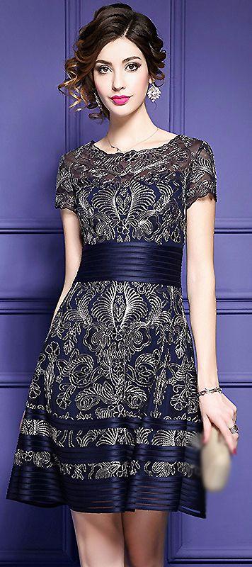 Vintage O-Neck Short Sleeve Embroidery Gathered A-Line Dress