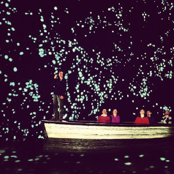 土ぼたる ニュージーランドのワイトモ。洞窟内はまるで星空。 - @his_japan- #webstagram