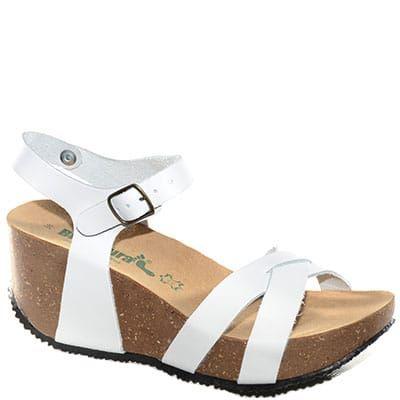 #Sandalo con zeppa media in sughero e pelle bianca con cinturino alla caviglia.