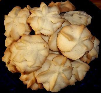 Αν σας αρέσουν τα μπισκότα βουτύρου που λιώνουν στο στόμα και αφήνουν μιά εξαιρετική γεύση από μυρωδάτο βούτυρο και μιά υποψία...