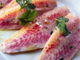 Filets de rougets aux échalotes et aux raisins, pas cher : recette sur Cuisine Actuelle