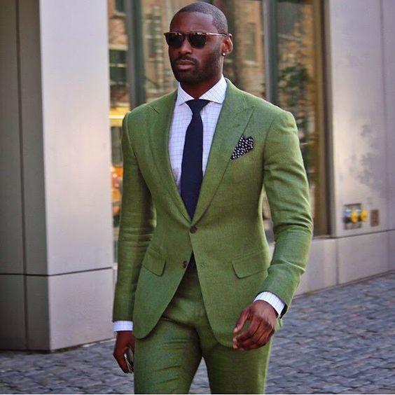 Greenery é a Cor de 2017, o Verde Musgo misturado com amarelo aparece em alta na Moda Masculina e para a Roupa de Homem. Macho Moda - Blog de Moda Masculina: Greenery é a Cor de 2017 - Tons de Verde em alta no Visual Masculino, Costume Verde, Terno Verde