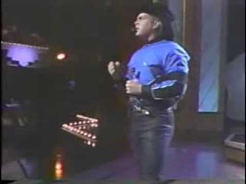 "Garth Brooks performing ""Shameless"" live on the 1991 awards"
