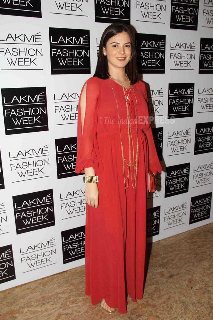 Actress Urvashi Sharma looked radiant in a deep red
