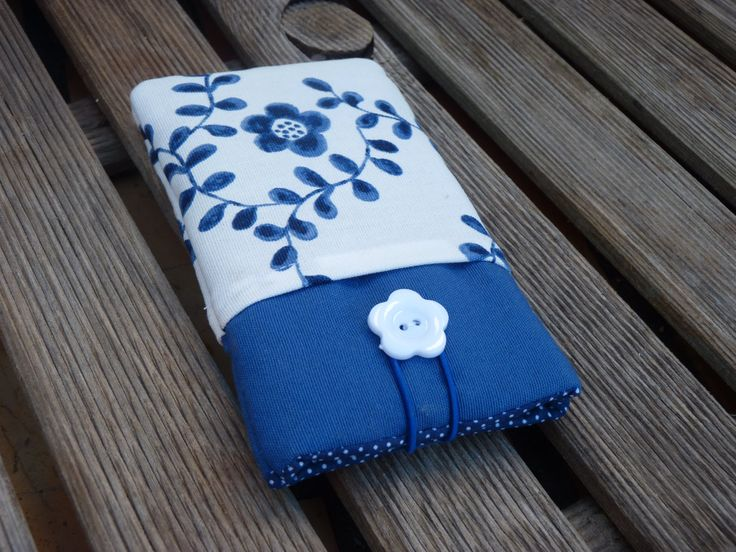 Nexus 5 Pouch / Fabric case Nexus 5 Cover / Nexus 5 Case / Iphone 6 cover / Iphone 6 padded / Cell phone case Blue Pockets white flowers by Driworks on Etsy