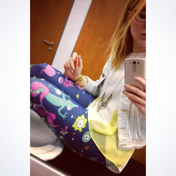Our lovely customer is enjoying her brand new NUSHI x AYWEE leggings. She couldn't resist not to take a #gpoy bathroom #selfie immediately. #nushiclothing #leggings #photooftheday #cute #girl #girly #happy #fun #fashion #outfit #outfitoftheday #ootd #lookoftheday #style #stylish