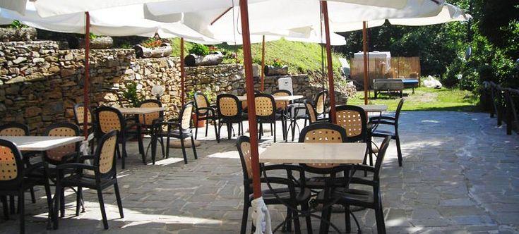 Pi di 25 fantastiche idee su tavoli all 39 aperto su pinterest mesas tavoli con piastrelle e - Ristorante con tavoli all aperto roma ...