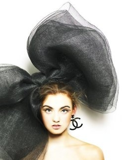 ♥: Hats, Hairbows, Chanel Couture, Chanel Earrings, Style, Fashion Models, Black Bows, Hair Bows, Big Bows