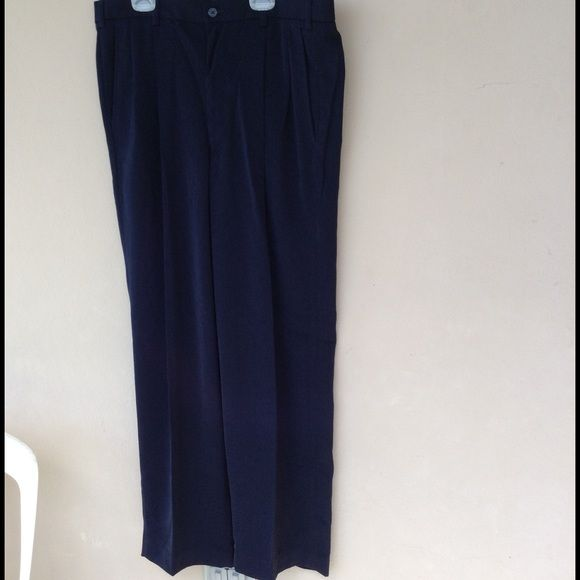 Size 0 white dress pants ith back