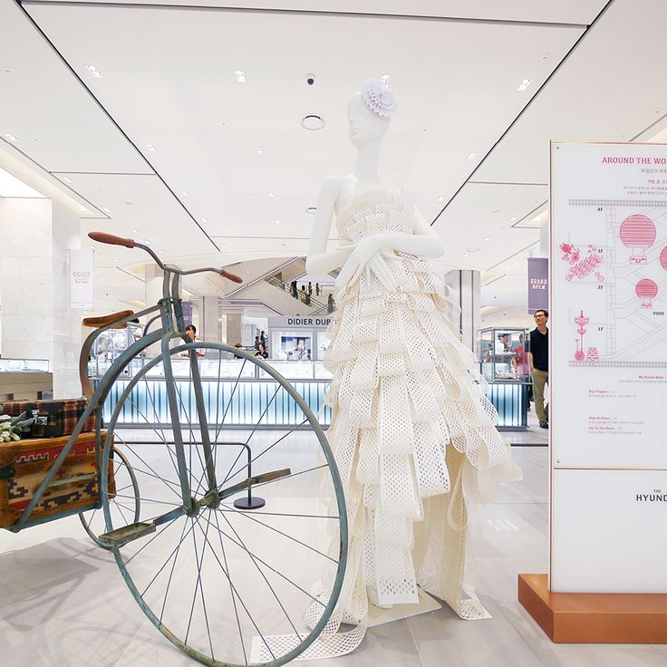 Hyundai department store Pangyo_ mannequin Art work.