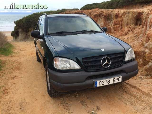 Todo terreno  Mercedes Benz ML 320 6 cilindros 3.199 Cilindrada Automatico, 5 marchas, cristales tintados homologados \. Veh�culo procedente de la union Europea  Unica propietaria de 65 a�os, en uy buen estado y el que menos km reales tiene por su po