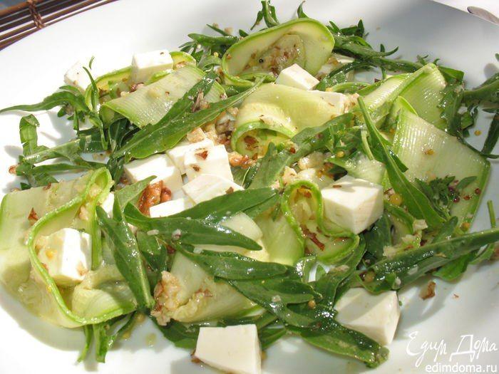 Салат с кабачками и молодой брынзой. Вкусный, легкий и оригинальный салат. Прекрасное дополнение к основному блюду. #edimdoma #recipe #cookery #salad