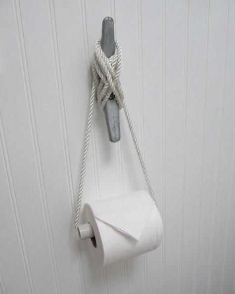 LOVE this DIY TP holder for a   nautical/beach themed bathroom