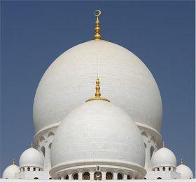 NOIR BLANC un style: La mosquée Cheikh Zayed à Abou Dabi. Monumentale, majestueuse, colossale, prestigieuse...