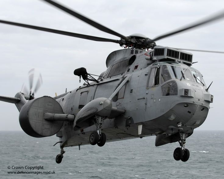 Royal-Navy-Sea-King-ASaC-Mk7-AEW-Helicopter - Think Defence