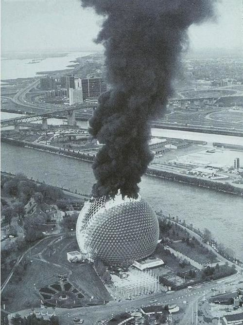 Le Pavillon Américain en flamme lors de l'Expo 67 // American Pavilion on fire at Montreal World's Fair 1967, designed by Buckminster Fuller