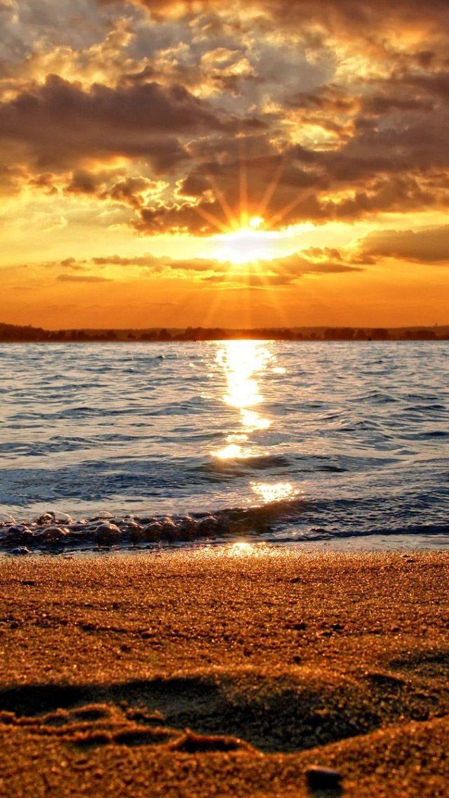 Beach sunset (Natural scenery)