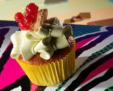 Google Afbeeldingen resultaat voor http://www.busstopbakery.nl/var/busstopbakery/storage/images/bakery/cupcakes/1303-14-dut-NL/cupcakes_rightcolumn.jpg