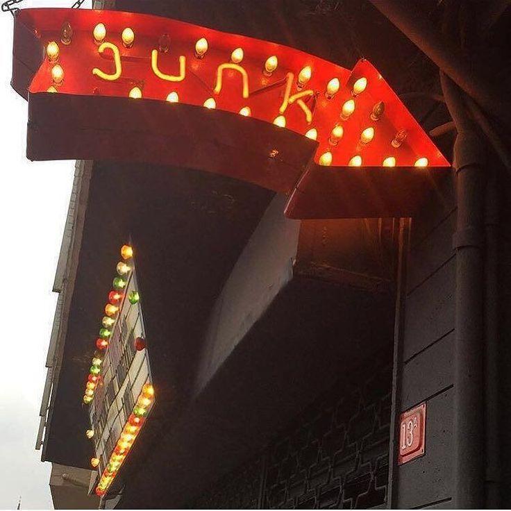 Dükkan açıldı  Heran kapanabilir  siz bugünden halletmeye bakın aklınızdakileri :)