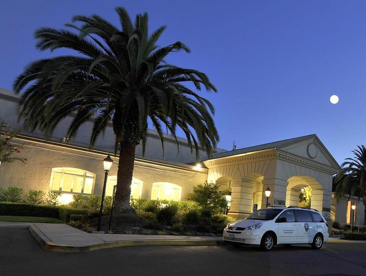Sacramento (CA) The Lions Gate Hotel And Conference Center A Lexington United States, North America The Lions Gate Hotel And Conference Center A Lexin is conveniently located in the popular Watt area. The hotel has everything you need for a comfortable stay. Facilities like facilities for disabled guests, Wi-Fi in public areas, car park, room service, airport transfer are readily available for you to enjoy. Guestrooms are fitted with all the amenities you need for a good night...