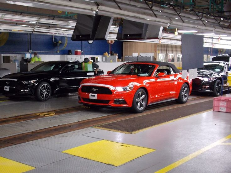 2015 Mustang Convertible Begins Shipping to Ford Dealers