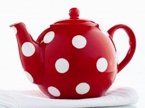 Love this tea pot from Lily and Lime. (Now sold out, I guess.) Now I gotta find myself a polka dot tea cup and saucer - S