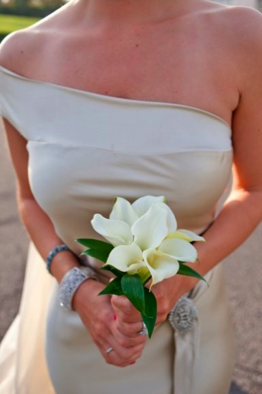 one-shoulder dress + small white calla lily bouquet