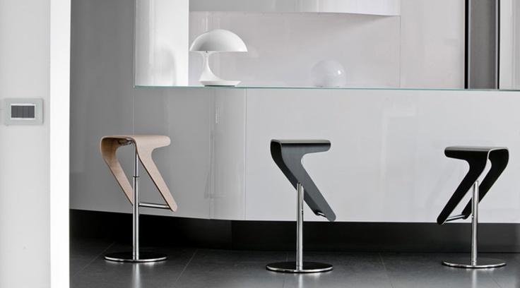 16 besten bartische barhocker bilder auf pinterest barhocker sitzen und stabil. Black Bedroom Furniture Sets. Home Design Ideas