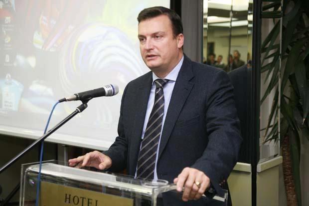 Ο πρόεδρος του Επιμελητηρίου Λάρισας κος Σωτήρης Γιαννακόπουλος απευθύνει χαιρετισμό