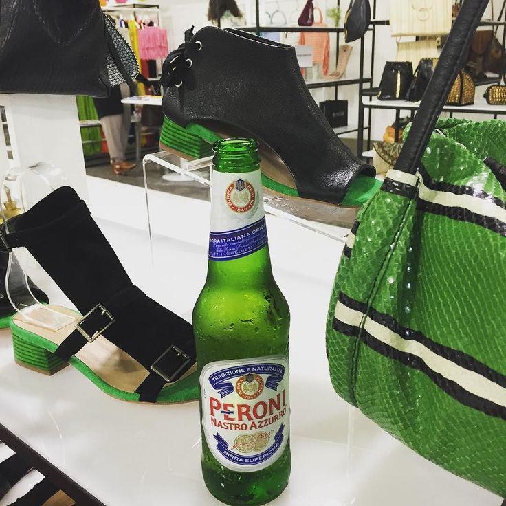 Thanks @peroniusa  Our colors match yours!!!   #capsuleshow #tmrwhandbags  #tmrwfootwear #inspiration