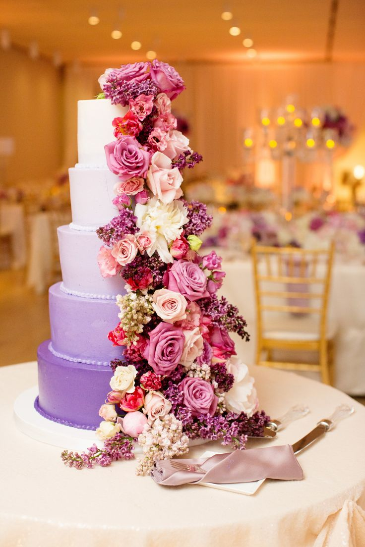 Olivia Leigh Photographie. Art of Institute of Chicago. Vale of Enna flowers. Rose. Spray Rose. Lilac. Tulip. Peony. Purple, White, Hot Pink, and Pink. Cake. Chicago Wedding.
