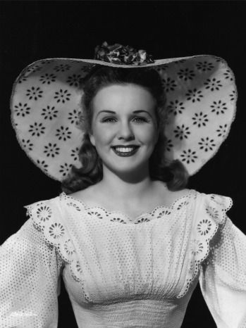 Deanna Durbin, 1930s Child Star, Dies at 91 10:59 PM PDT 4/30/2013 by Duane Byrge When she retired at 28, the actress was the highest-paid woman in Hollywood -- and the world.  Deanna Durbin, who attained worldwide popularity as a child star in the 1930s while starring in a series of musicals, has died. She was 91.  http://www.hollywoodreporter.com/news/deanna-durbin-1930s-child-star-449407