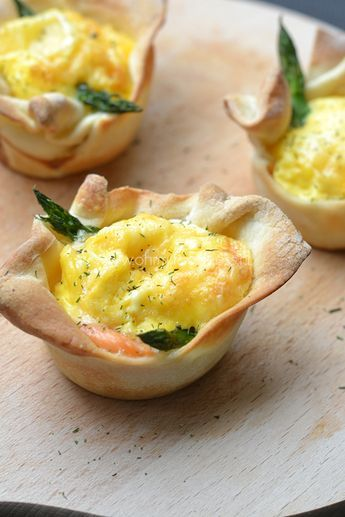 Mini quiches met gerookte zalm en groene asperges - OhMyFoodness
