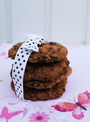 Gluteenittomat suklaakeksit a´la Hunajamurun aarrearkku.