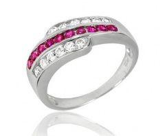 Stříbrný prsten s červenými zirkony