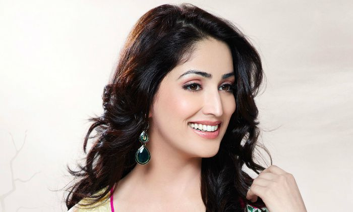 Yami Gautam, an Indian actress. Check out her biography, height, weight, body measurements, age, boyfriend, family, net worth and facts.