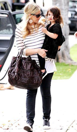 Sarah Michelle Gellar and daughter Charlotte #maternity