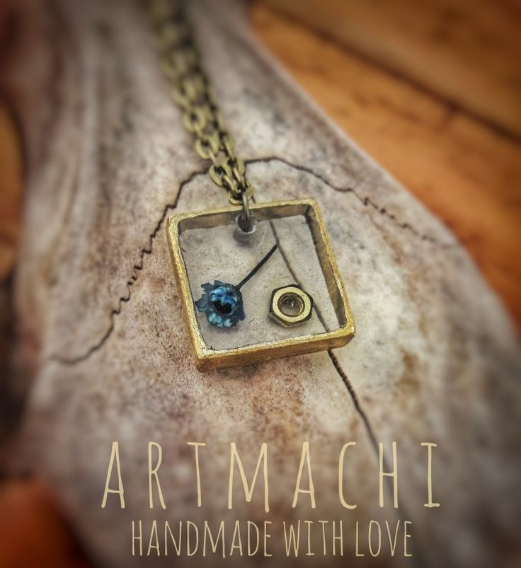 👐❤Handmade jewel created with natural elements 🌾🍁🌻🌱 A kind of unique ✨Amulet✨ that you can wear everyday to keep always with you the 🌿Power of Nature🌷! Handmade with L❤ve by ✨ARTmachi✨ 👁Come to visit my profile👁 and follow me! You can find me also on Pinterest http://pin.it/ZSOBpDL  Etsy http://etsy.me/2jhO77g Facebook https://www.facebook.com/artmachi23/