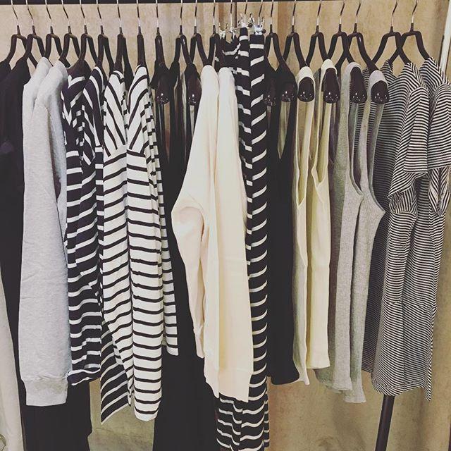 Seguimos recibiendo nueva colección básicos de la colección francesa @lei.1984 con producción en Portugal. #estilo #style #woman #fashion #cotton #basico #basic #barcelona #bcn #laforja94 #tshirt #dress #sudadera #vestido #camiseta #falda #skirt #jasminelove #jasmine_bcn #beyourself #bedifferent