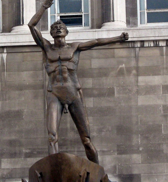 """...meet under a statue exceedingly bare...in my Liverpool home"" Dickie Lewis- Liverpool by Mickmac37, via Flickr"
