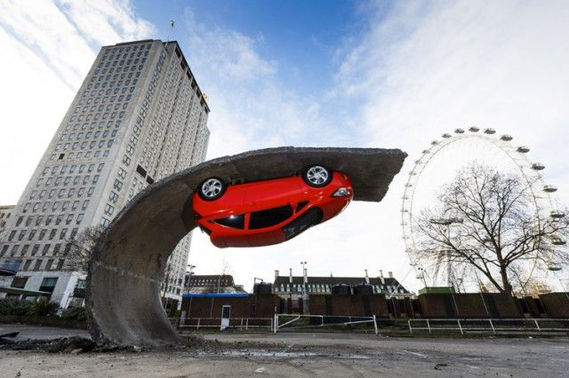 Vauxhall Motors Installation by Alex Chinneck – Fubiz™