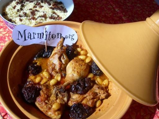 Tajine au poulet, amandes et pruneaux : Recette de Tajine au poulet, amandes et pruneaux - Marmiton