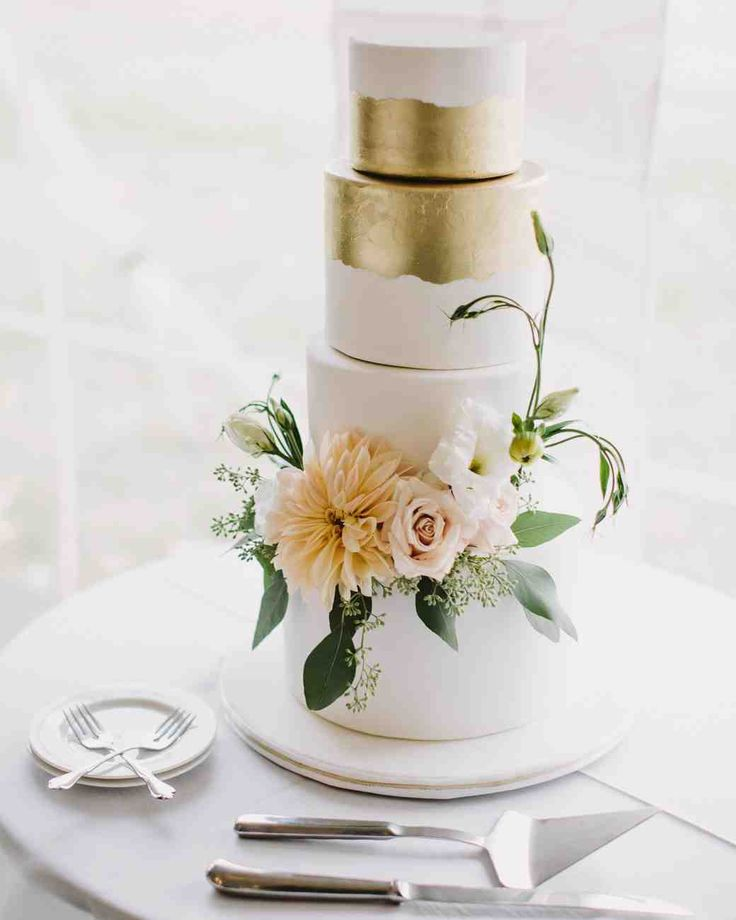 modern wedding cakes pinterest best 25 floral wedding cakes ideas on floral 17486