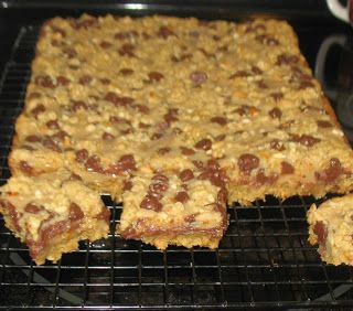 peanut butter chocolate and oatmeal bars