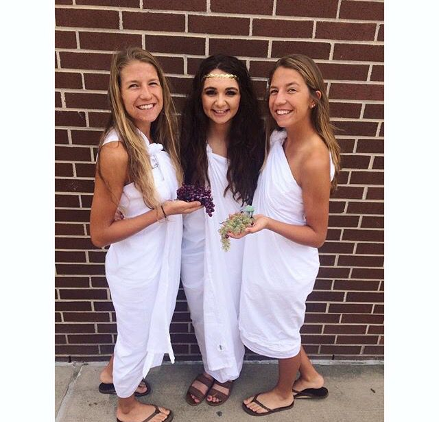 homecoming spirit week .. togas // throwback day // decades day // twin day