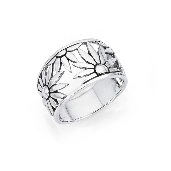 Gorgeous cut out Sterling Silver Flower Ring